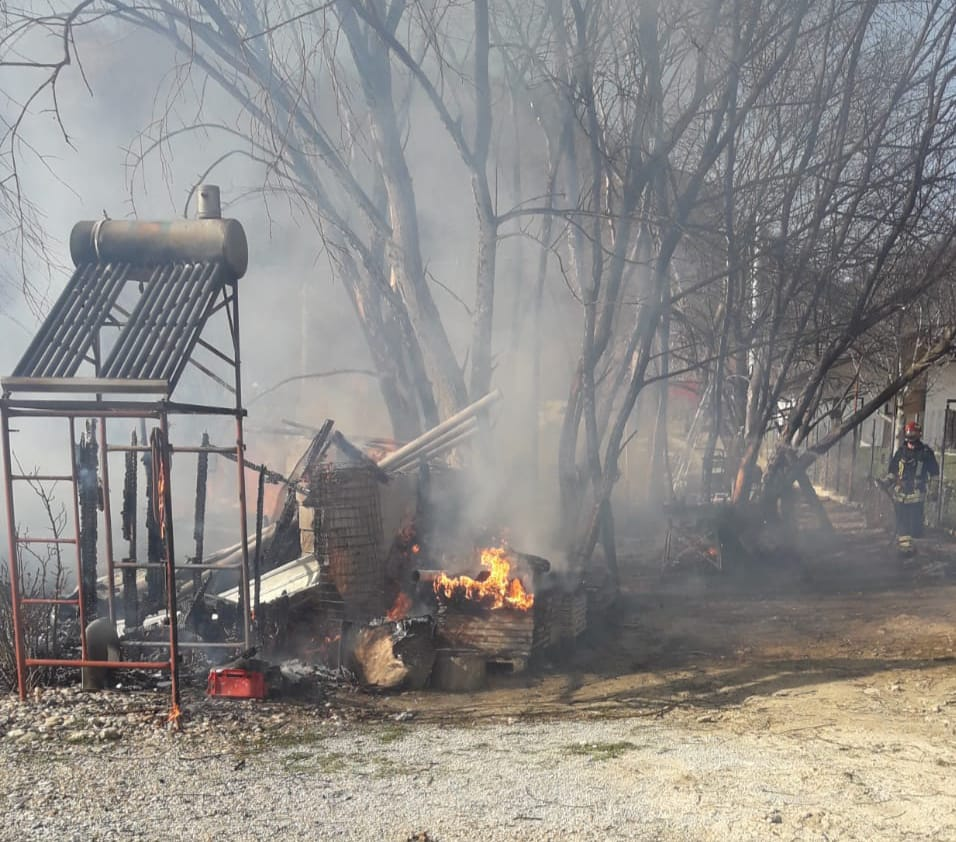 incendiu-divici-pompieri-3